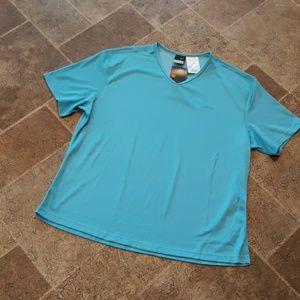 NWT Nike women's size XL dri fit v neck top